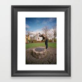 00030023 Framed Art Print