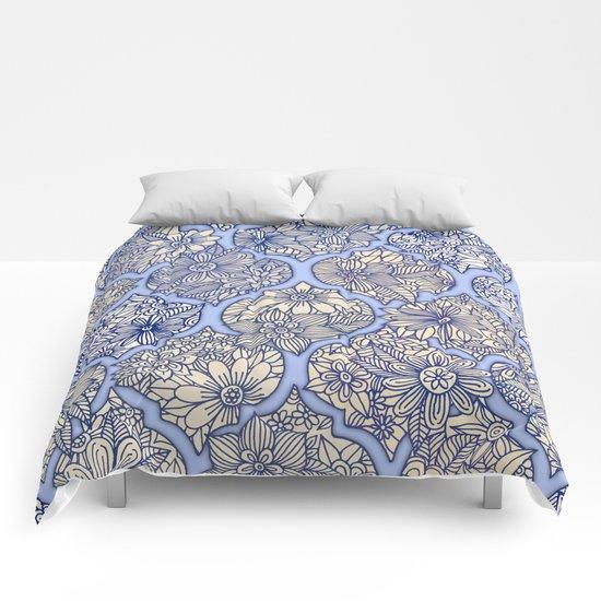 Moroccan Floral Lattice Arrangement - Purple Comforters