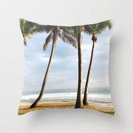 reunion island Throw Pillow