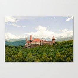 Hunedoara, Romania - Corvin Castle or Hunyadi Castle (Castelul Corvinilor or Castelul Huniazilor) Canvas Print