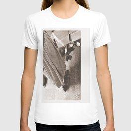 Boots Old, Skirt Long T-shirt