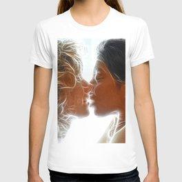 9705  Two Woman Kissing Sensual Erotic Fractal Art by Chris Maher T-shirt