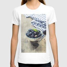 Fresh summer Blueberries on wooden background T-shirt