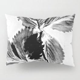 Strawberry Leaves Pillow Sham