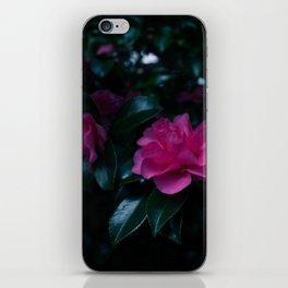 Dark flowers I iPhone Skin