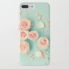 Composition of roses over mint Slim Case iPhone 7 Plus