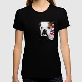 Nosey British Bulldog ' REGGIE ' by Shirley MacArthut T-shirt