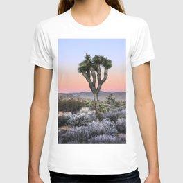 Joshua Tree Sunset. Joshua tree. Pink. Tree. Desert. Mojave. California. T-shirt