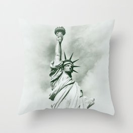 Statue of Liberty cx Throw Pillow