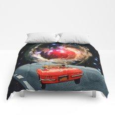 Naive Honeymooners Comforters