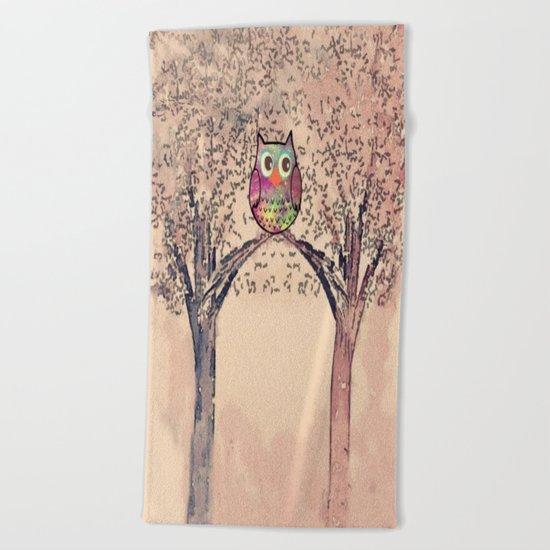 owl-245 Beach Towel