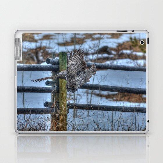 Dive, Dive, Dive! - Great Grey Owl Hunting Laptop & iPad Skin
