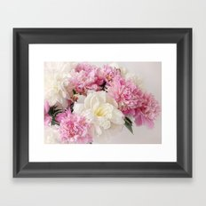Pionies Framed Art Print