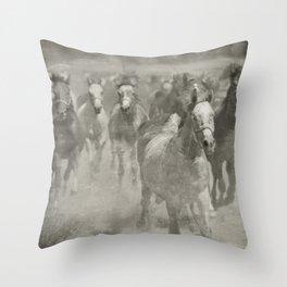 Children of desert wind Throw Pillow