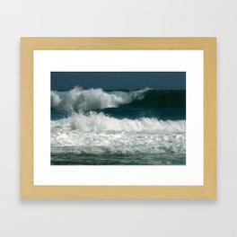 Tropical waves Framed Art Print