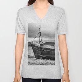 Highland Shipwreck - b/w Unisex V-Neck