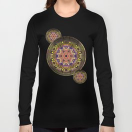 K107 Abstract Medallion Long Sleeve T-shirt
