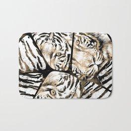 Tiger portrait composition on voronoi pattern Bath Mat