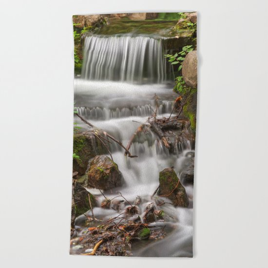 Jean-Drapeau Waterfall Beach Towel