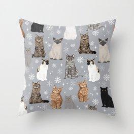 Cat breeds snowflakes winter cuddles with kittens cat lover essential cat gifts Deko-Kissen