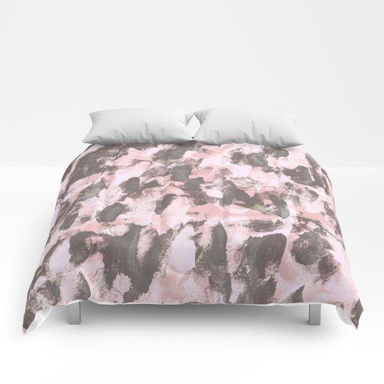 Abstract Sixteen Comforters