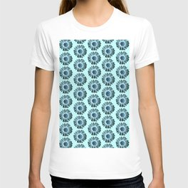 Turquoise Bue Daisy Pattern,Retro T-shirt