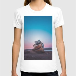 Point Reyes Shipwreck | Sunset Point Reyes Inverness California Landscape Travel Photography T-shirt