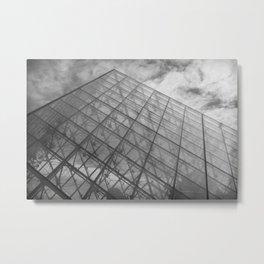 La Pyramide du Louvre Metal Print