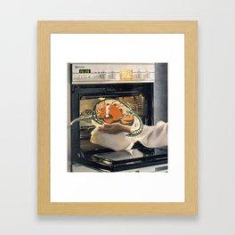 alien roast Framed Art Print