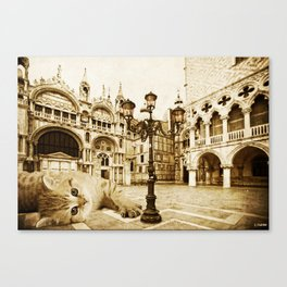 Giant Kitten in Venice (2) Canvas Print