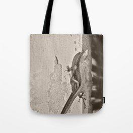 Tailing Tote Bag