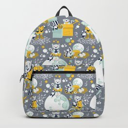 The cat who loves rainy nights Backpack