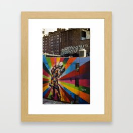 NY Kobra kiss Framed Art Print