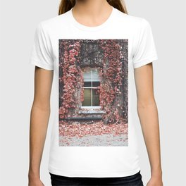 IVY - BUILDING - RED - LEAVES - WINDOW - PHOTOGRAPHY T-shirt