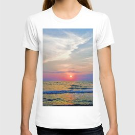 Naples Florida sunset on the Gulf of Mexico T-shirt