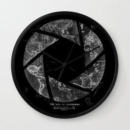 Traveling Lens Wall Clock