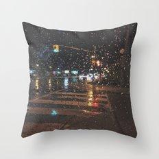rainy bokeh Throw Pillow