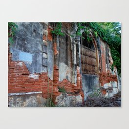 Old Colonial Building Canvas Print