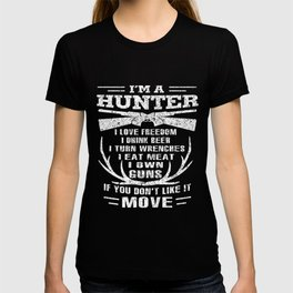 Hunting T-Shirt Love Freedom And Beer Hunter Gifts T-shirt