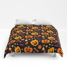 Happy halloween pumpkin, candies and lollipops pattern Comforters