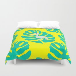 Pelican and monstera leaves Duvet Cover