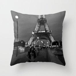 Tower De Eiffel Throw Pillow