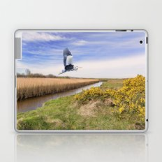 The hungry Heron Laptop & iPad Skin