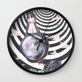 SPACE SINGER Wall Clock