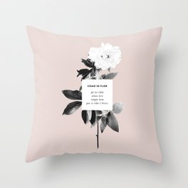 Como Se Flor Throw Pillow