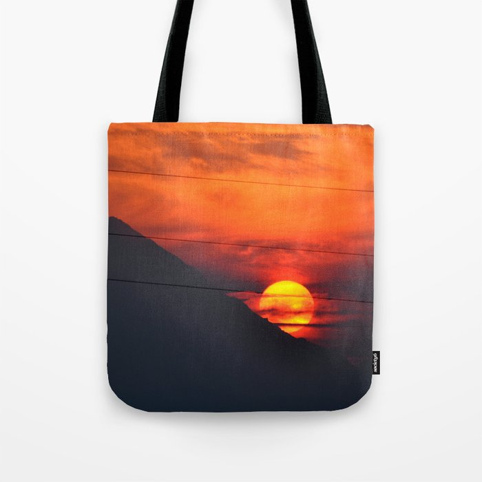 SUNSET OVER MOUNT HOOD Tote Bag