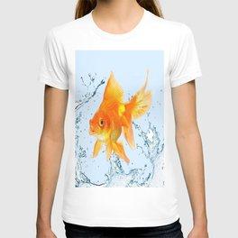JUMPING  GOLDFISH SPLASHING  WATER ART T-shirt