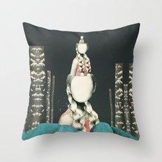 VIAJERA ESPACIAL // OBERHEIMI  Throw Pillow