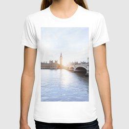 London #society6 #decor #buyart T-shirt