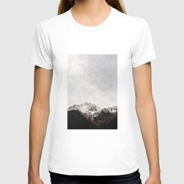 Scenic Mountain Photograph Grunge Weathered Look T-shirt